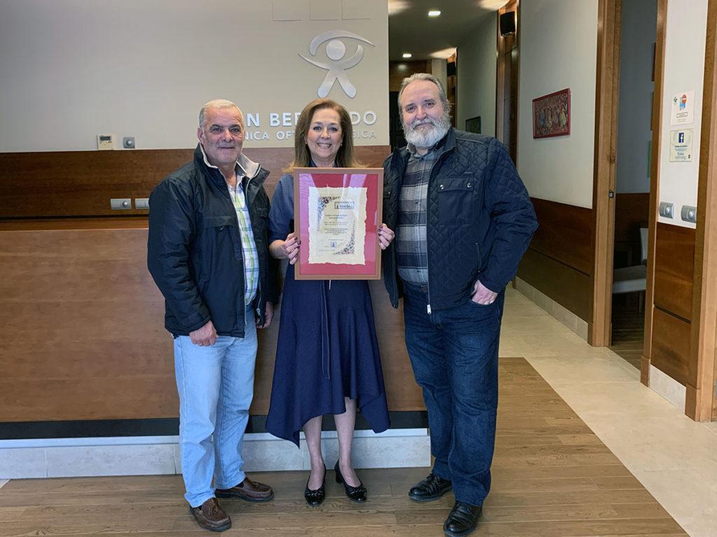 Clínica Oftalmológica San Bernardo con El Trovador de Sevilla.